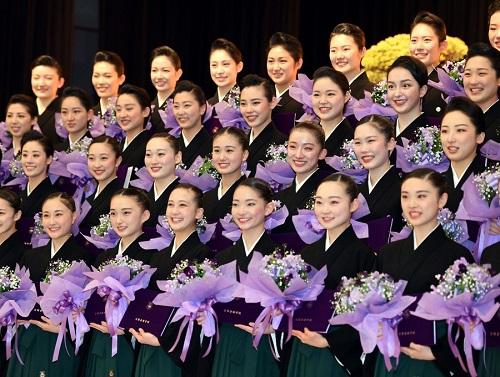 宝塚106期生卒業式